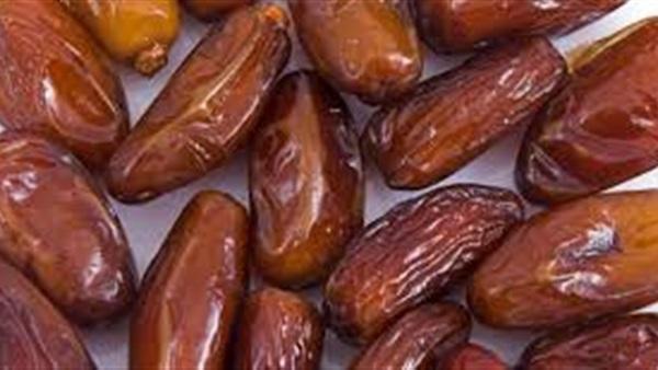 هل تعرف لماذا كان النبي (ص) يكثر من التمر في شهر رمضان؟
