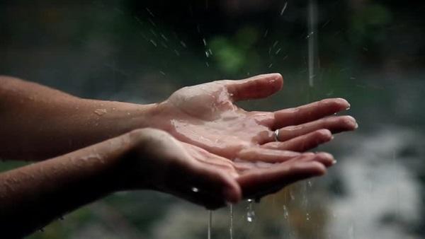 دعاء المطر والبرق والرعد مثلما كان يردده الرسول (صلى الله عليه وسلم)