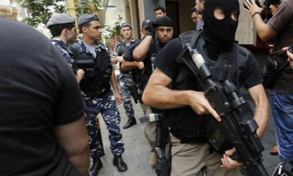 """آش واقع ... """"مختل عقلي"""" يطلق النار بطريقة عشوائية و يخلف عددا من القتلى و الجرحى بالقاهرة"""