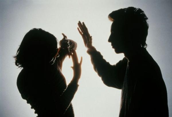 الكشف عن السبب الرئيسي الذي يدفع الرجال المغاربة إلى تعنيف زوجاتهم