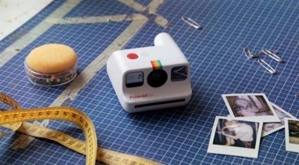 بولارويد تطلق أصغر كاميرا فورية تناظرية