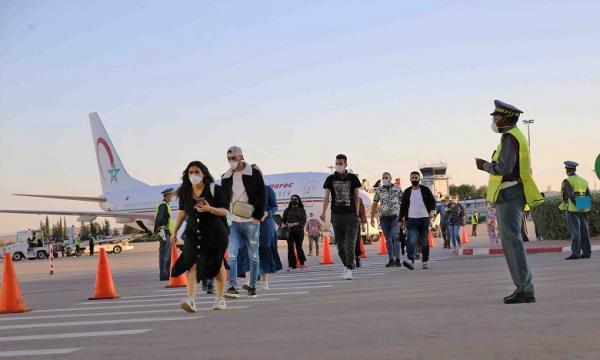 """انتقادات واسعة للحكومة بسبب إجبار المغاربة العالقين بالخارج على دفع مبالغ """"خيالية"""" مقابل عودتهم لى أرض الوطن"""