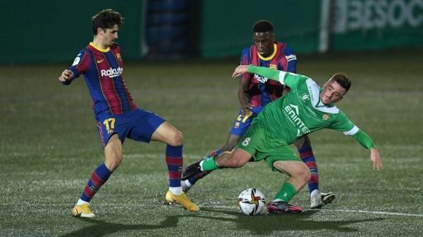 برشلونة ينجو من فخ كورنيا ويتأهل إلى ثمن نهائي الكأس