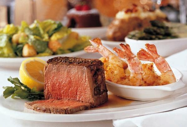 """موقع تريب أدفايزر"""" يكشف أفضل 10 مطاعم في العالم"""
