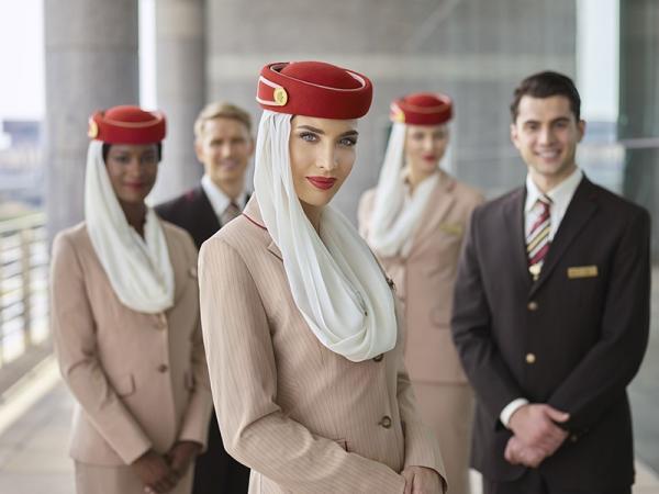 طيران الإمارات تنظم يوما مفتوحا في مراكش لتوظيف مضيفات ومضيفين مغاربة