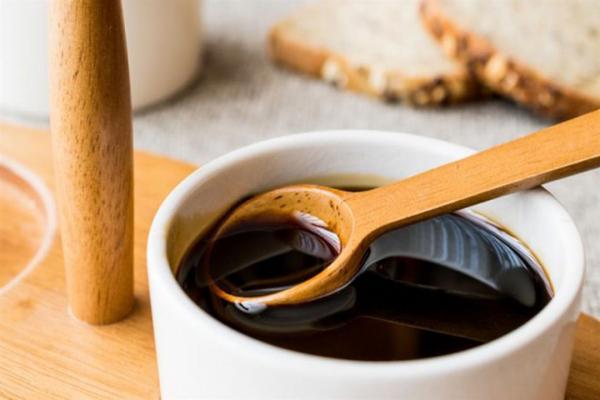هل يحتفظ العسل بخصائصه الصحية بعد تجميده؟