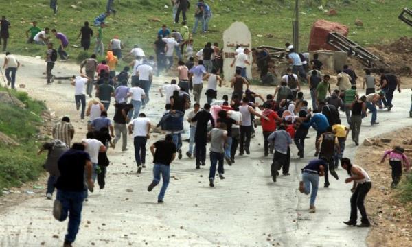 إصابات واعتقالات خلال قمع قوات الاحتلال الإسرائيلي لمسيرة غرب رام الله