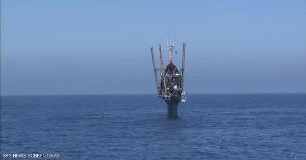 السفينة الخيالية : تقف وتبحر رأسيا في المحيطات
