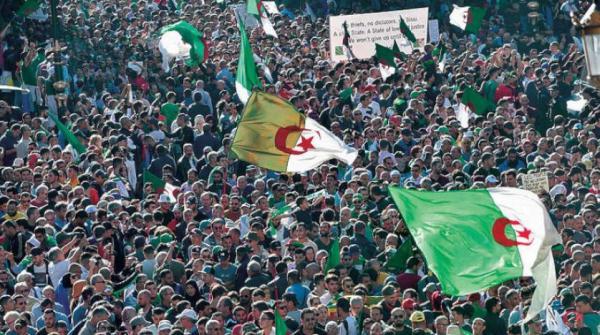 """صحيفة الإندبندنت: فيروس """"كورونا"""" يخدم قمع المظاهرات في الجزائر"""
