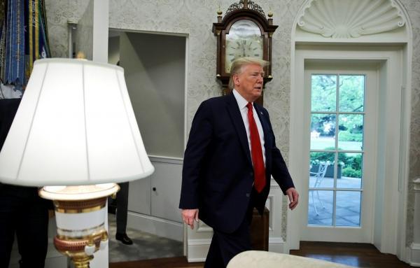 ترامب الغاضب ينسحب من لقاء تلفزيوني بعد نقاش حاد مع المذيعة (فيديو)
