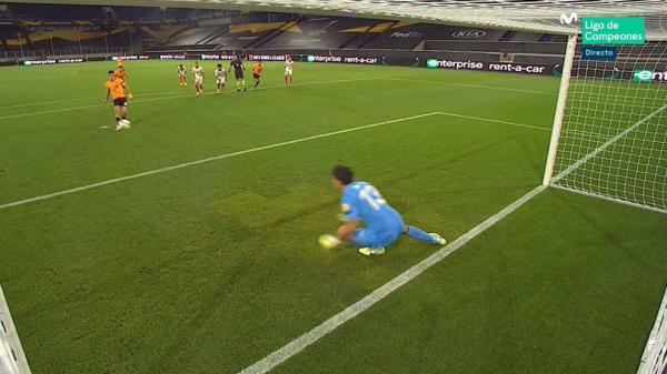 بونو يتألق ويساهم في تأهل فريقه إلى المربع الذهبي للدوري الأوروبي (فيديو)