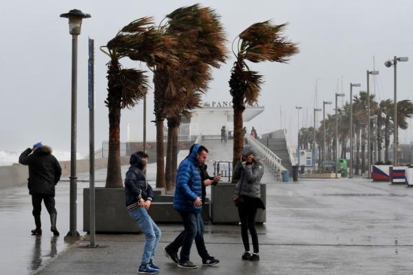 إسبانيا: ارتفاع حصيلة ضحايا عاصفة غلوريا إلى 10 قتلى وأربعة في عداد المفقودين