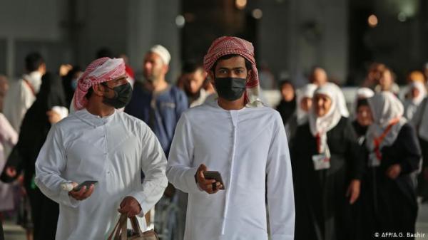 رغم استمرارها  في تسجيل أزيد من 2000 حالة يوميا...السعودية تكشف عن خطتها لإعادة الحياة الطبيعية منها فتح المساجد..