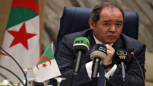 الانتصار المغربي يثير جنون نظام العسكر...وزير الخارجية الجزائري يفقد السيطرة على أعصابه ويعلن صراحة عداءه للمغرب بالاتحاد الإفريقي
