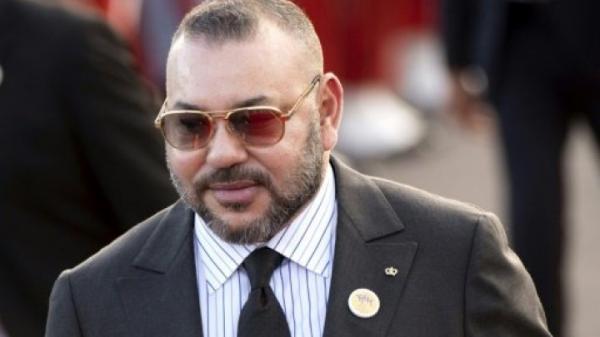 الملك محمد السادس يختم عطلته الصيفية في هذا البلد الأفريقي