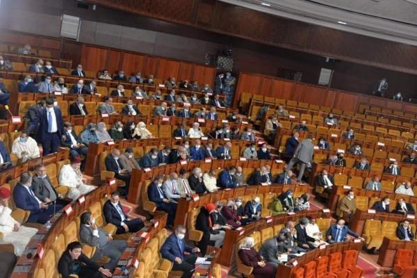 """سابقة بالبرلمان...برلمانيو """"البيجيدي"""" يخرقون التدابير الاحترازية ورئيس مجلس النواب يرفض افتتاح الجلسة"""