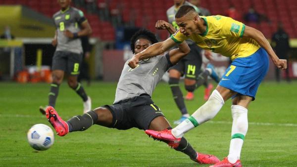 أولمبياد طوكيو: غياب نيمار عن لائحة المنتخب البرازيلي واستدعاء ألفيش