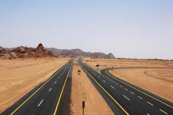 المغرب على وشك الانتهاء من تشييد طريق سريع بطول ألف كيلومتر بقلب الصحراء المغربية
