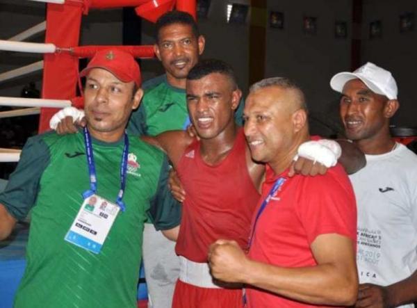 المغربي زين العابدين أمروغ يقصى من دور الثمن في بطولة العالم للملاكمة