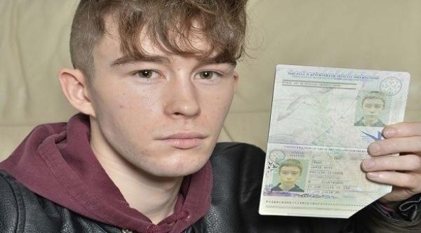 يكتشف أنه عبر 12 دولة بجواز سفر ملغى
