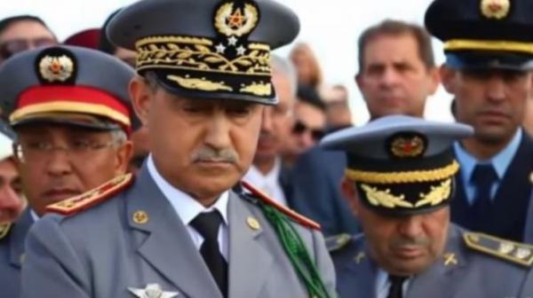 الجنرال عبد الفتاح الوراق المفتش العام للقوات المسلحة الملكية
