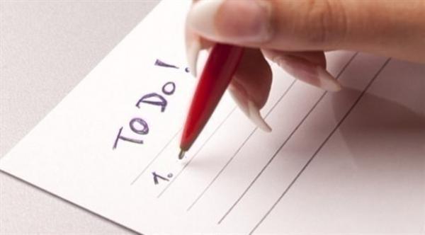 كتابة 10 مهمات للغد تسرّع النوم