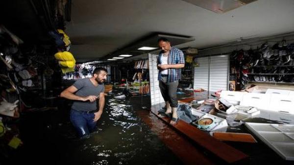 بالفيديو..عاصفة أشبه بالإعصار تغرق إسطنبول بالأمطار