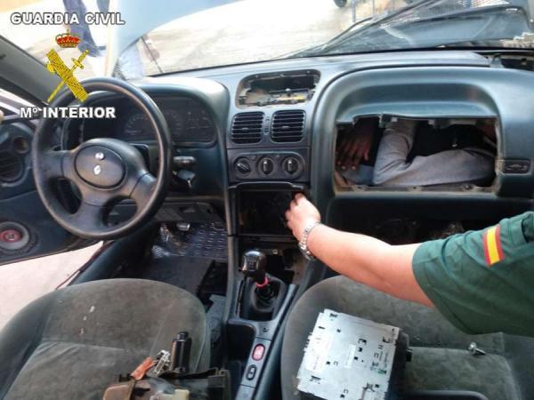 """أربع عمليات مجنونة لـ""""الحريك"""" عبر سيارات مغربية في يوم واحد وهذه التفاصيل (صور)"""