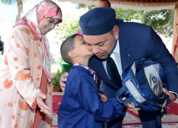 """الملك """"محمد السادس"""" يضع التعليم على رأس أولوياته ويكشف عن الهدف الأساسي من المدرسة المغربية مستقبلا"""