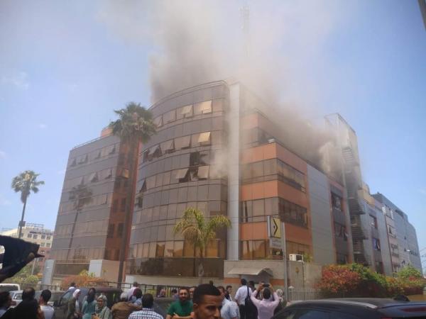 اندلاع حريق ضخم بمقر شركة اتصالات بسيدي معروف (صور+فيديو)