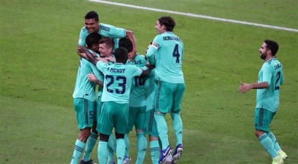 السوبر الإسباني بالسعودية: ريال مدريد إلى النهائي بثلاثية أمام فالنسيا