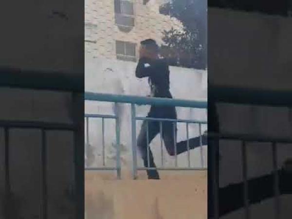 الأمن يتفاعل مع الفايسبوكيين ويلقي القبض على سارق هاتف بالبيضاء (فيديو)