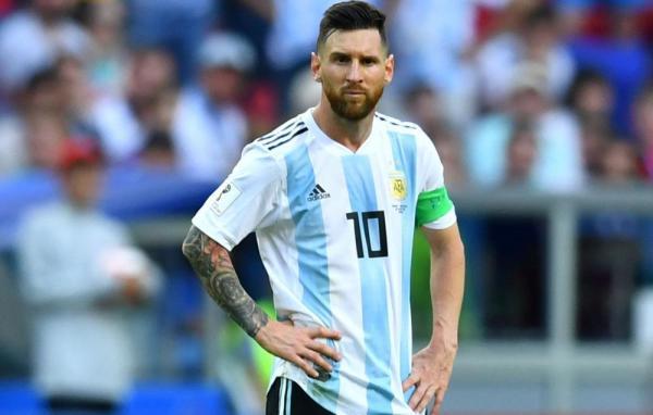 """""""ميسي"""" يحقق رقما قياسيا في مباراة الباراغواي"""