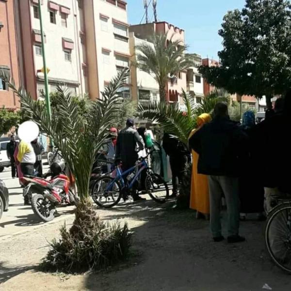 مواطنون يتوجهون إلى المقاطعات الإدارية من أجل الاستفسار عن بطاقة راميد