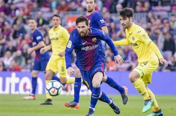 """""""لا ليغا"""" تعلن عن تغيير موعد انطلاق مباراة برشلونة وفياريال"""
