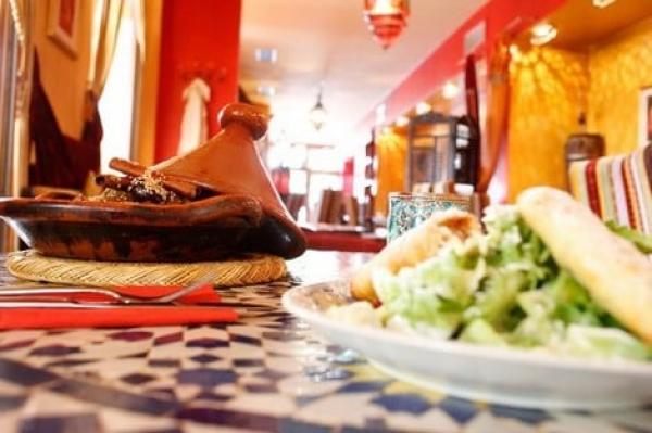 مواطنون يشتكون من ارتفاع ملحوظ في الأسعار بالمقاهي والمطاعم والمهنيون يقدمون روايتهم
