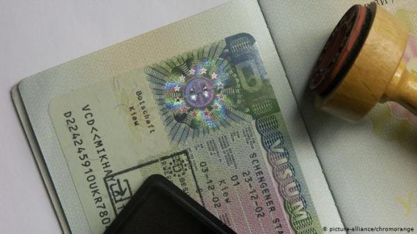 ماذا يحدث في حال دخول الاتحاد الأوروبي بتأشيرة سياحية وتقديم اللجوء؟