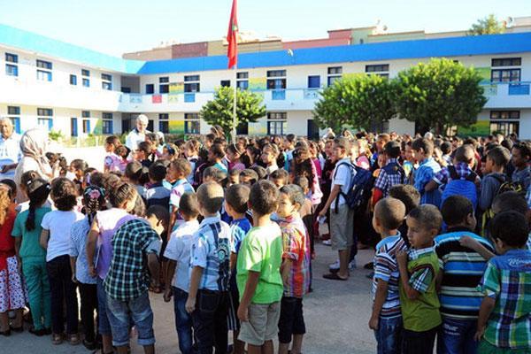 """أمزازي يبرر عدم استعداد المدارس العمومية لنزوح تلاميذ الخصوصي بالاكتظاظ و""""مواجهة كورونا"""""""