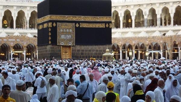 السلطات السعودية تصدر قرارا هاما بشأن رسوم العمرة