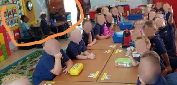 صورة تصدم العالم..مدرسة بجنوب أفريقيا تثير ضجة كبرى بسبب العنصرية بين التلاميذ