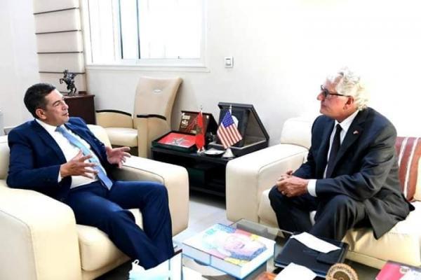 """""""أمزازي"""" يلتقي بالسفير الأمريكي وحديث عن إدراج اللغة الانجليزية بالتعليم الابتدائي والإعدادي"""