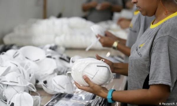 القرصنة في زمن الكورونا...ألمانيا تتهم رسميا الولايات المتحدة بالاستيلاء على شحنة ضخمة من الكمامات الطبية قبل وصولها إلى برلين