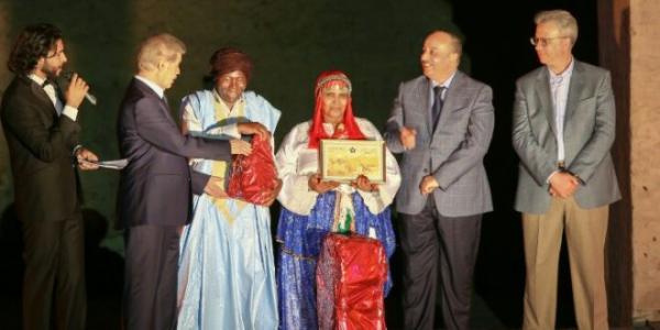 مهرجان مراكش للفنون الشعبية ينهي أطواره على إيقاع التكريم والإعتراف