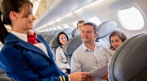 مضيفو الطيران أكثر عرضة للإصابة بالسرطان