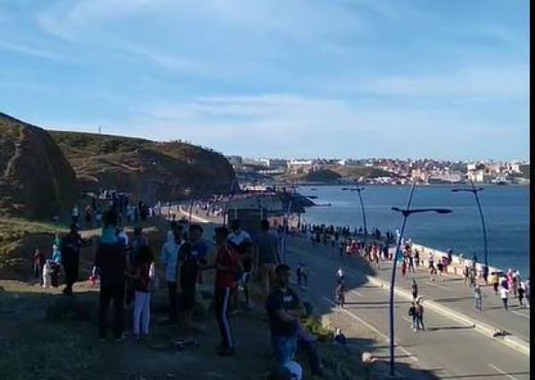 تزامنا مع أحداث سبتة.. الحكومة الاسبانية توافق على منح المغرب 30 مليون أورو لمكافحة الهجرة السرية