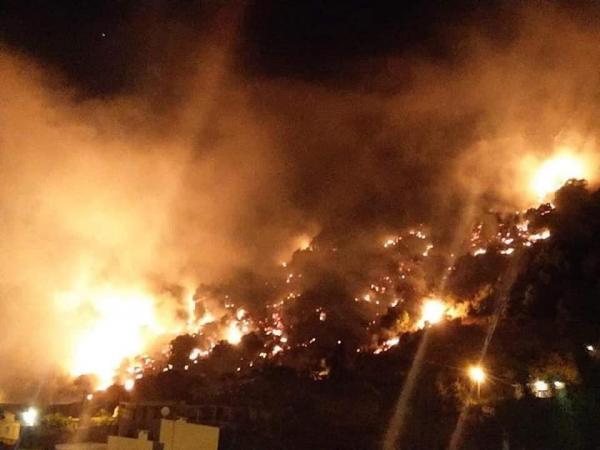 بعد كارثة المرفأ...حريق هائل في لبنان وجهود مستمرة لاحتوائه (فيديو)