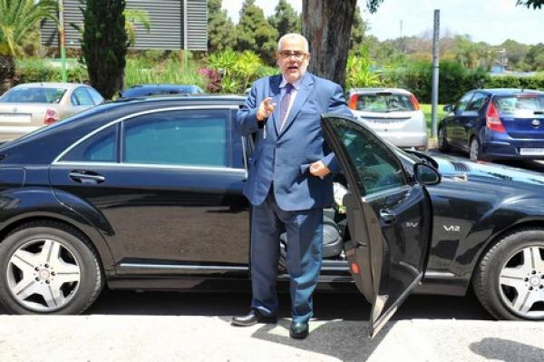 """""""بنكيران"""" حول سيارته الفارهة وتقاعده """"السمين"""": """"هادشي عطاهلي سيدنا أحسن الله إليه"""""""