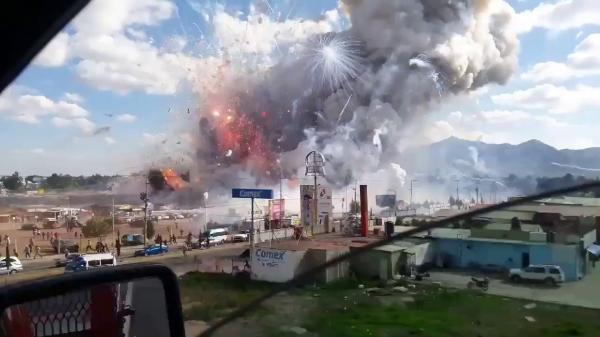 إيطاليا : مصرع خمسة أشخاص في انفجار بمصنع للألعاب النارية بصقلية