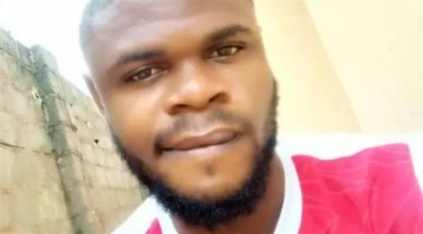 طالب طب نيجيري يكتشف أن الجثة التي كان على وشك تشريحها مع زملائه تعود لصديقه المتوفى