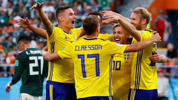 بالفيديو: السويد تٌطيح بسويسرا وتتأهل الى ربع نهائي المونديال